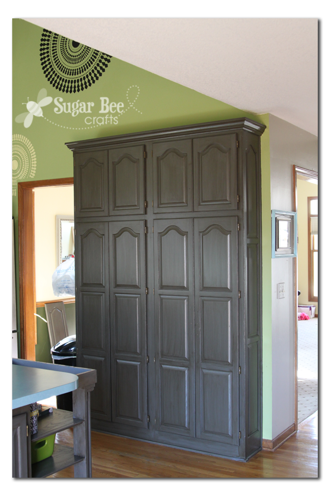 Kitchen cabinet reveal thanks rustoleum sugar bee for Castle kitchen cabinets