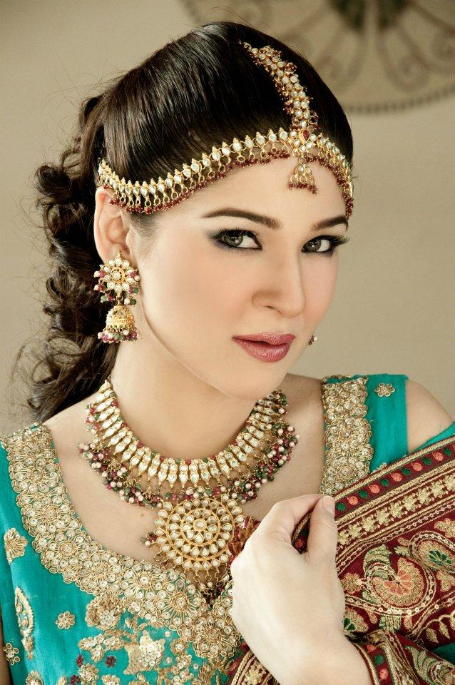 Bridal Makeup Pics Latest : New Ladies Fashion Trend And Hair Styles: Pakistani Bridal ...
