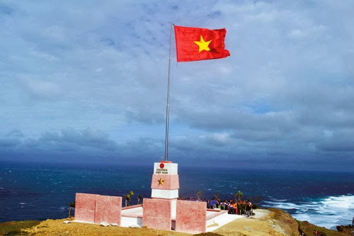National flagpole set up on Ly Son facing Hoang Sa
