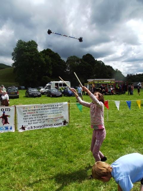 Langdale Gala 2014 circus skills
