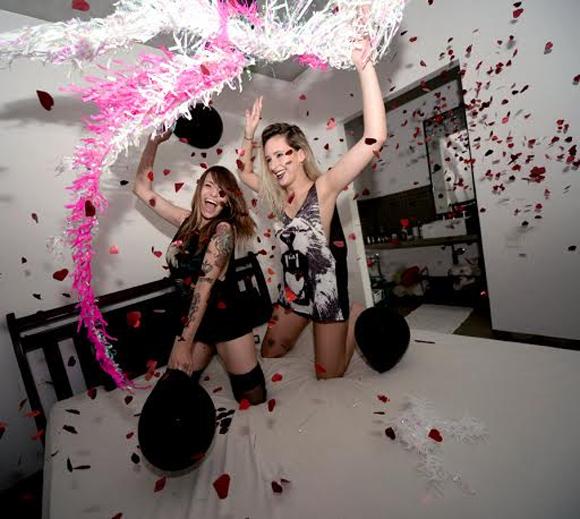 http://matitaclubber.blogspot.com.br/2014/01/cake-shop-apresenta-bad-girls-party.html