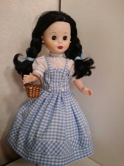 Nancy vestida de Dorothy en el Mago de Oz