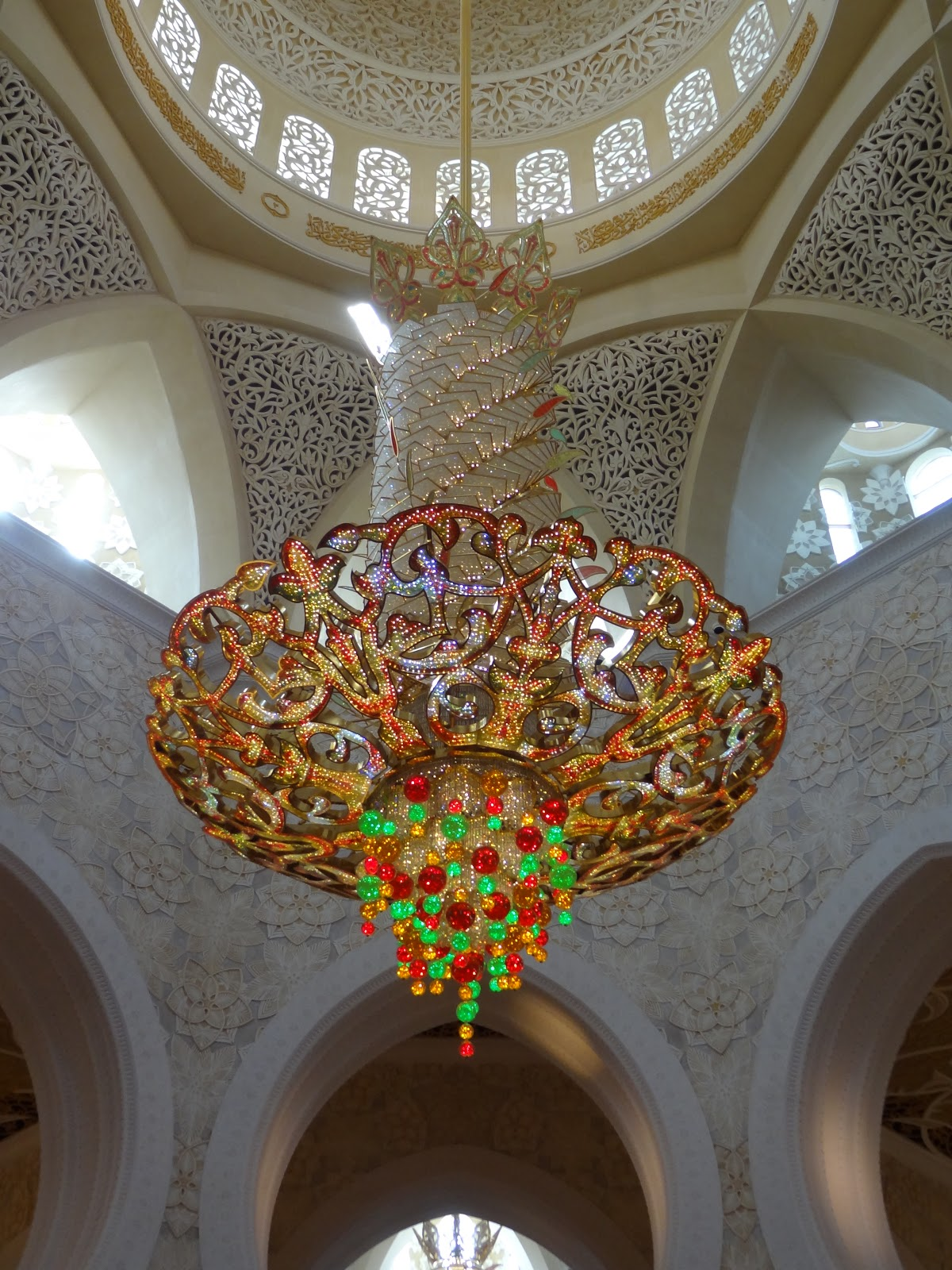 Married to ginger day 4 abu dhabi do used to be the worlds largest chandelier they seemed unhappy about losing that title arubaitofo Image collections