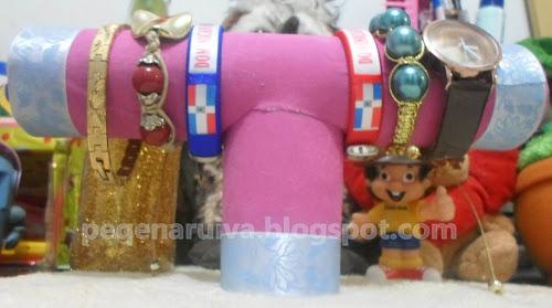 DIY   Organizador de pulseiras com rolinhos de papel