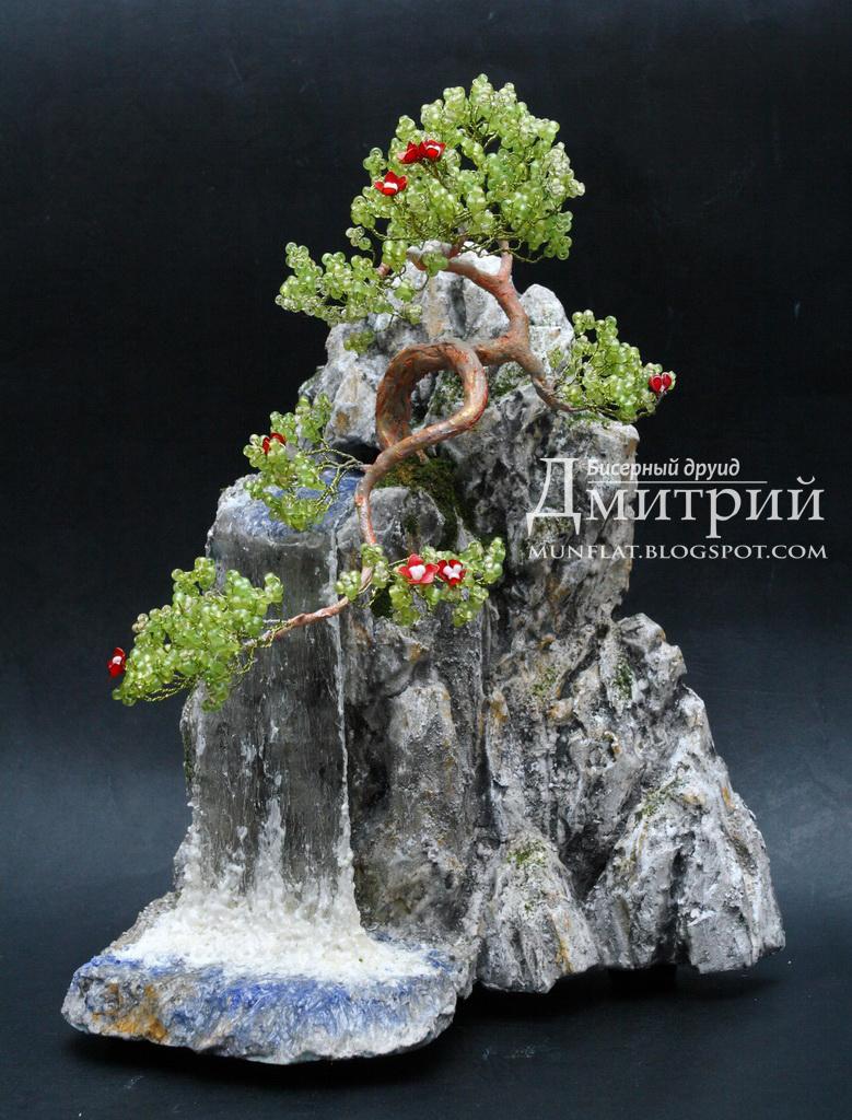 Композиции деревьев из бисера с водопадом фото 68