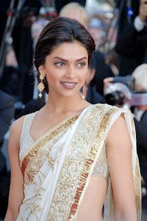 Deepika-Padukone-in-saree