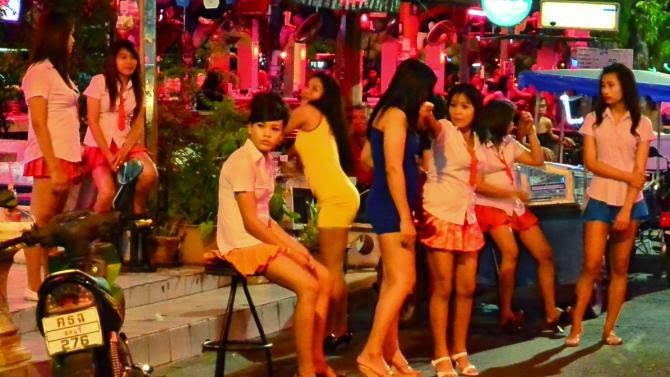 Тайское порно Видео - Шоу для туристов, массаж, шлюхи и юные проститутки