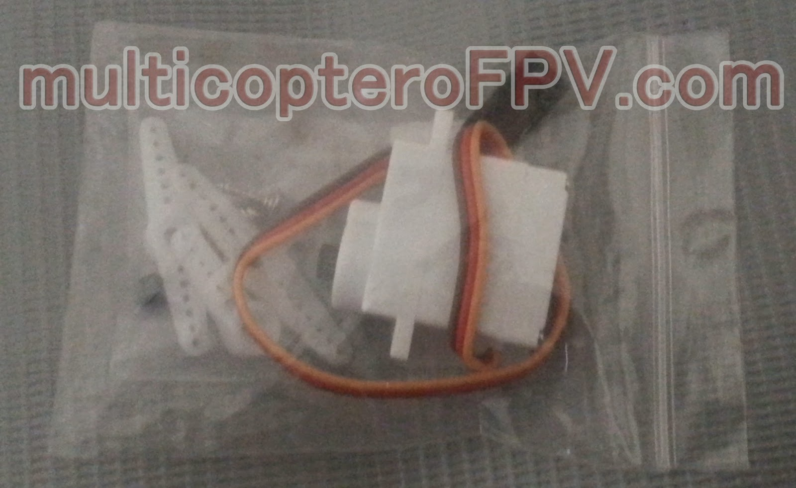 Servo piñoneria plastica para multicoptero