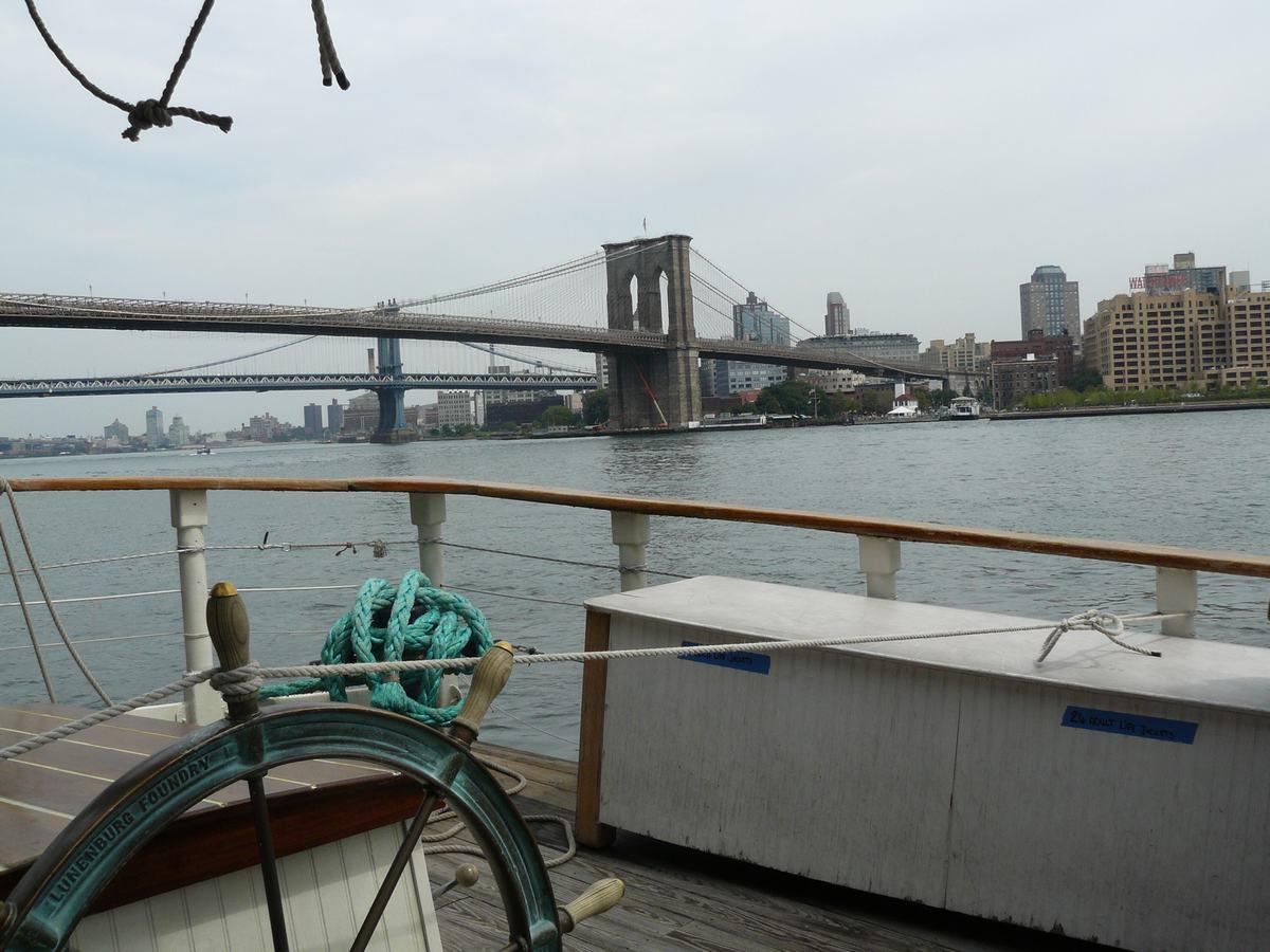 puente de Brooklyn desde Pier 17