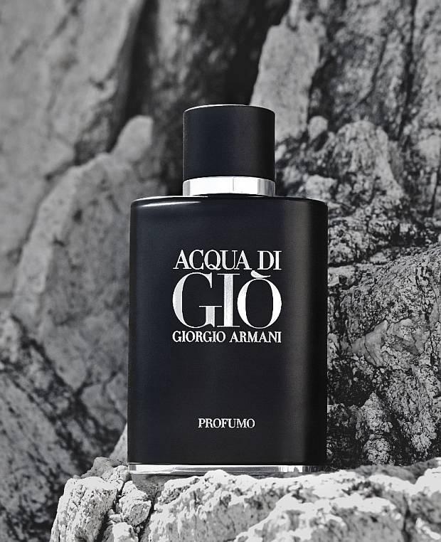 Grafika promujące nowe perfumy Giorgio Armani
