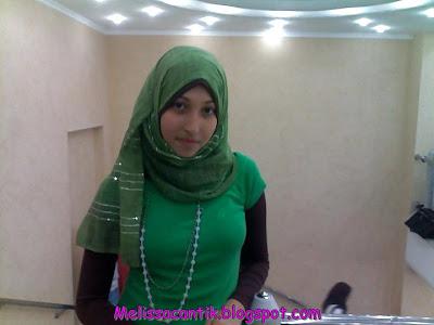 Jilbab Seksi Vs Jilbab Menyejukkan Hati