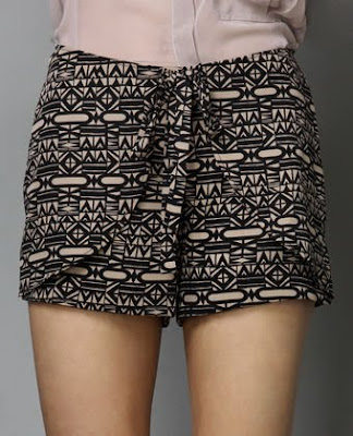 Machu Picchu Taupe and Black Shorts