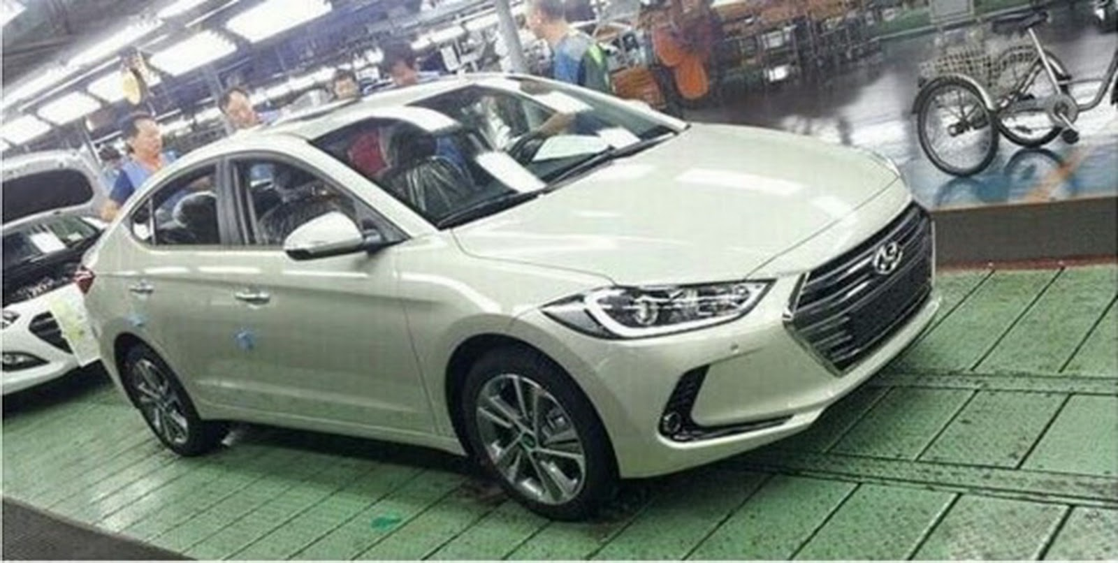 All New 2017 Hyundai Elantra Revealed In Leaked Shots Carscoops Com