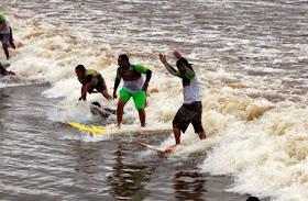Tempat Surfing Paling Menantang