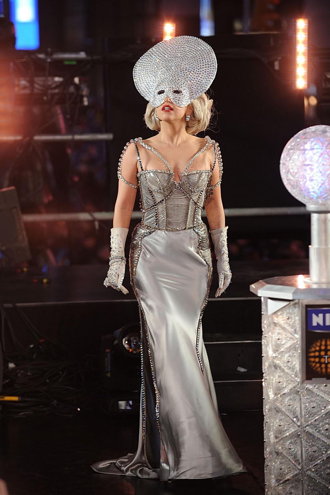 http://1.bp.blogspot.com/-2zn8228y3v8/Twm1a_EwjQI/AAAAAAAAOM8/LPXb3_kUXxo/s1600/08837_Lady_Gaga_DickClarksNewYearsRockinEve_J0001_027_122_855lo.jpg