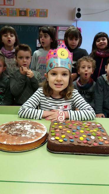 Na Julia ja té 6 anys!!