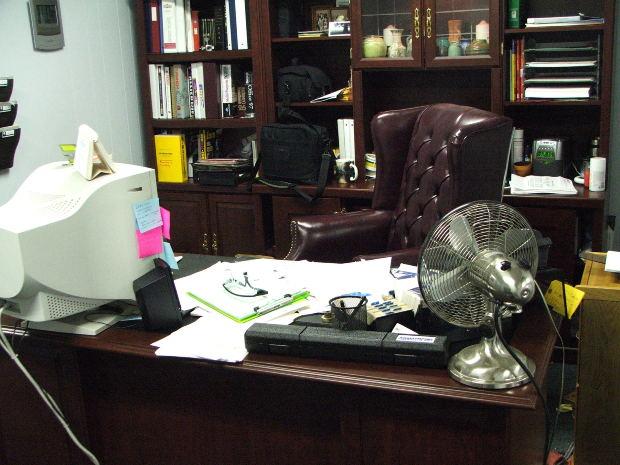 La consulta del Psicólogo Tradicional puede gustarnos o no, el psicólogo online nos atiende en nuestra casa