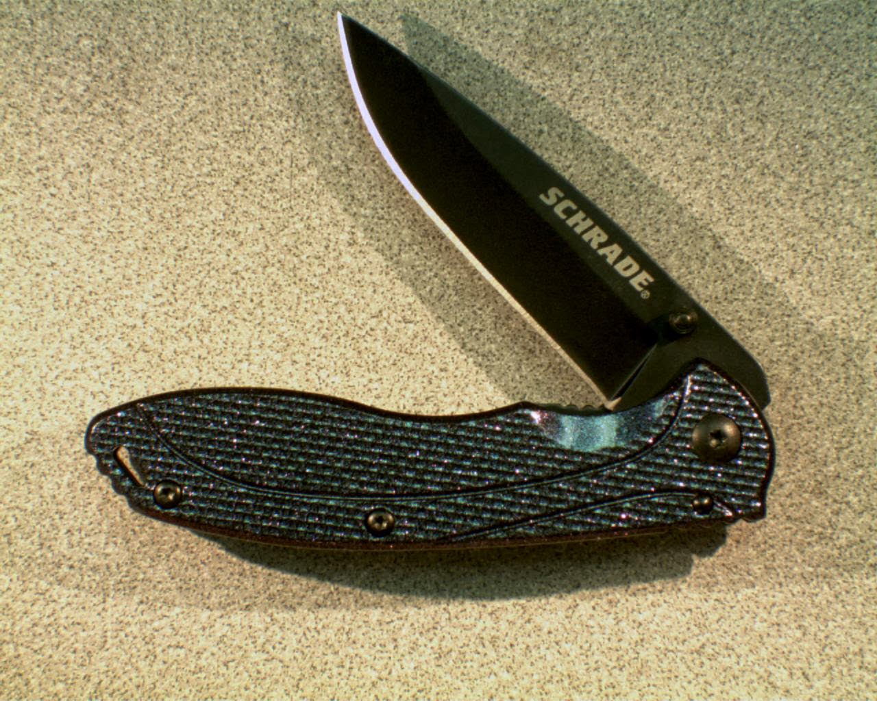 the Schrade color shift knife