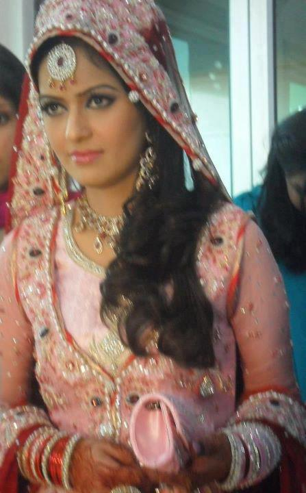 Geo News Anchors http://humawaz.blogspot.com/2012/03/geo-news-anchor-ayesha-baksh-wedding.html