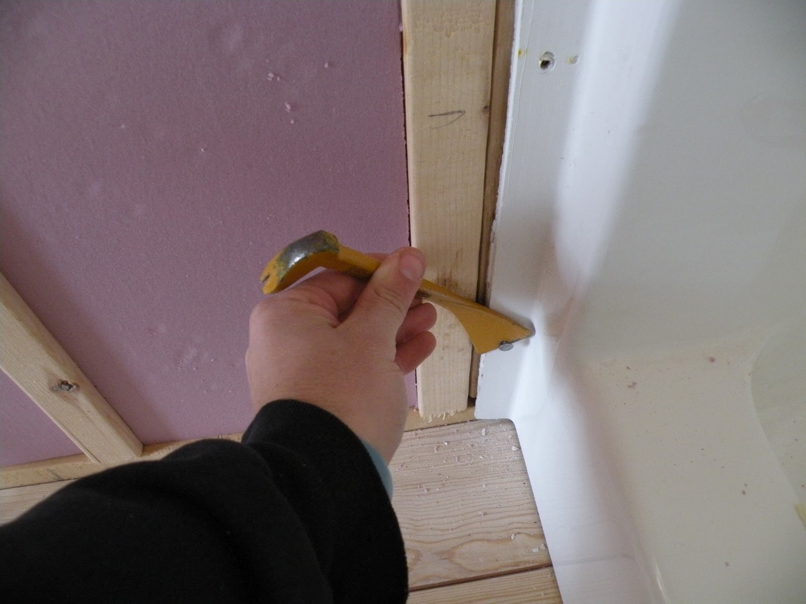 Bathroom Stall Crack Cover house for a hobo: february 2012