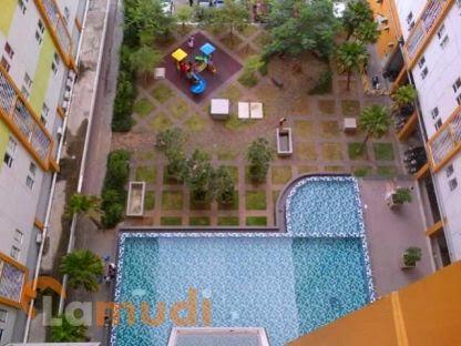 Swimming pool dilantai dasar apartemen berharga 300 jutaan di Jelambar, Jakarta Barat