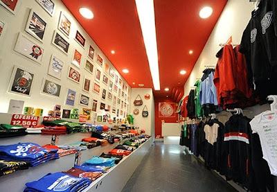 http://www.reizentolo.es/es/tiendas-oficiales/reizentolo-ourense.html