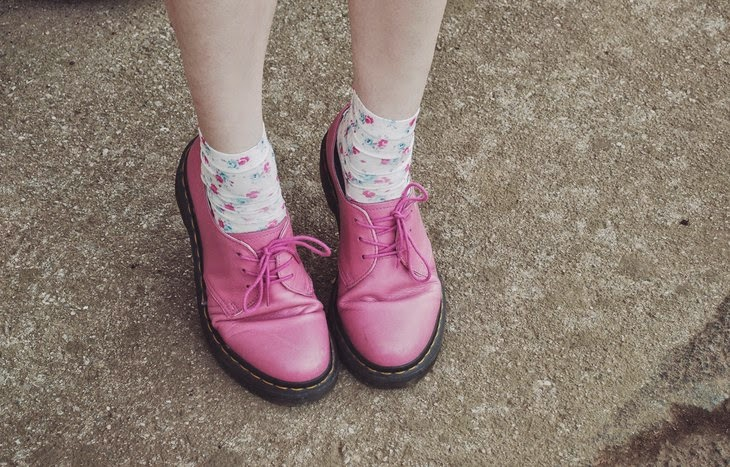 Subdued Flower Socks Dr Martens 1461 Pink Raspberry derby shoes Francesca Margariti thesparklingcinnamon Moschino Spring Summer 2015 collection Jeremy Scott