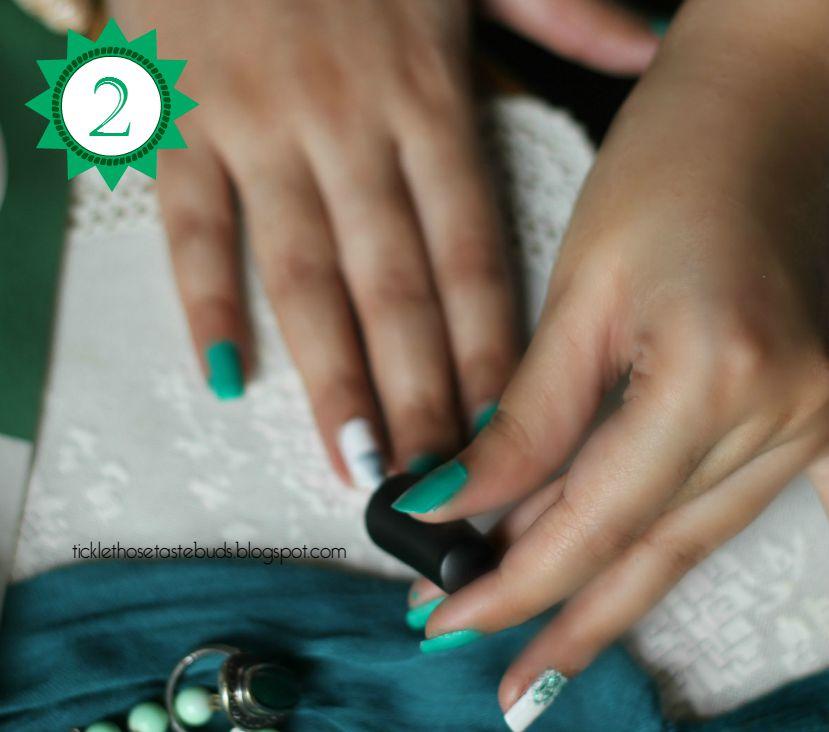 Step-2-Nail-Art-ticklethosetastebuds
