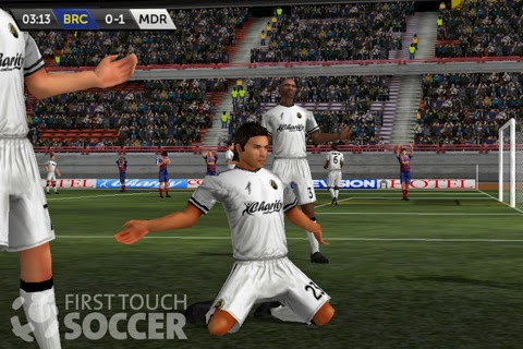 First Touch Soccer 2015 v2.06 APK MOD (VIP+Unlimited Coins)