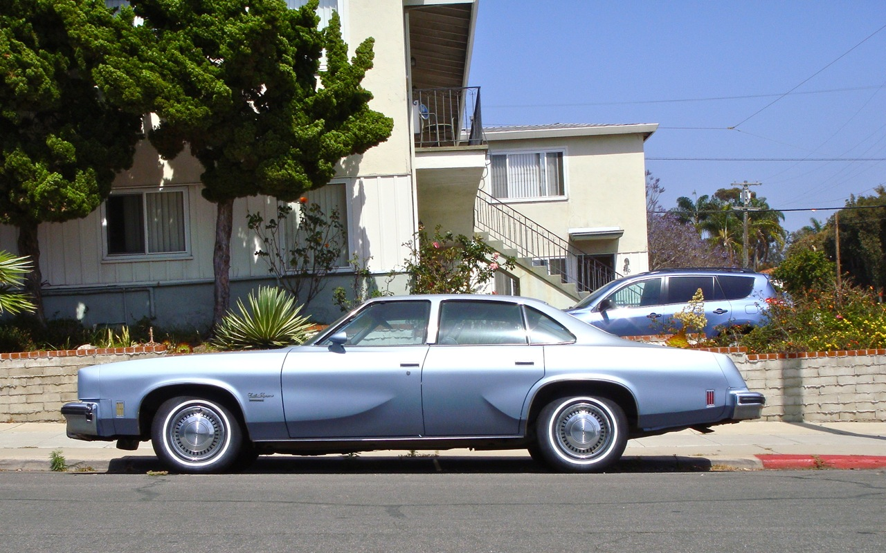1977 oldsmobile cutlass supreme brougham sedan