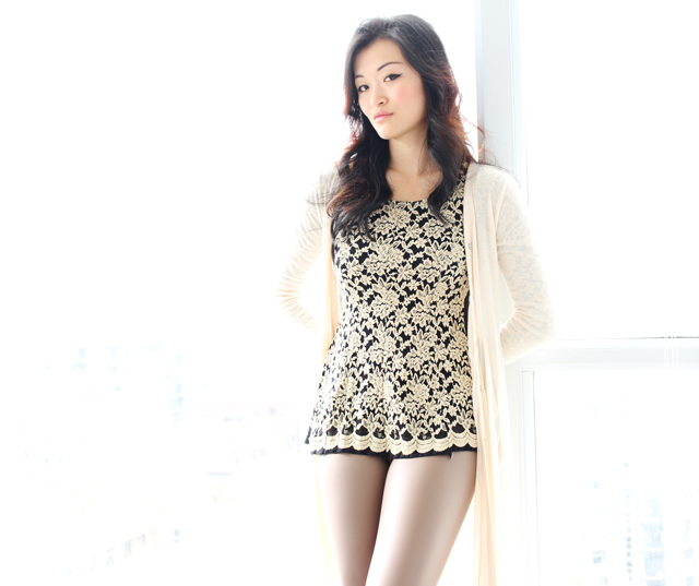 Rice grain inspired outfit, neutral outfit, vancouver fashion blogger jasmine zhu wearing leather leggings and lace top