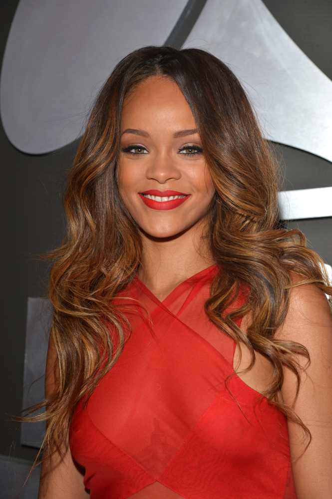 Rihanna's different hair styles / Rihanna with Virgin Remy Hair. Rihanna