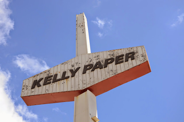 kelly paper oakland