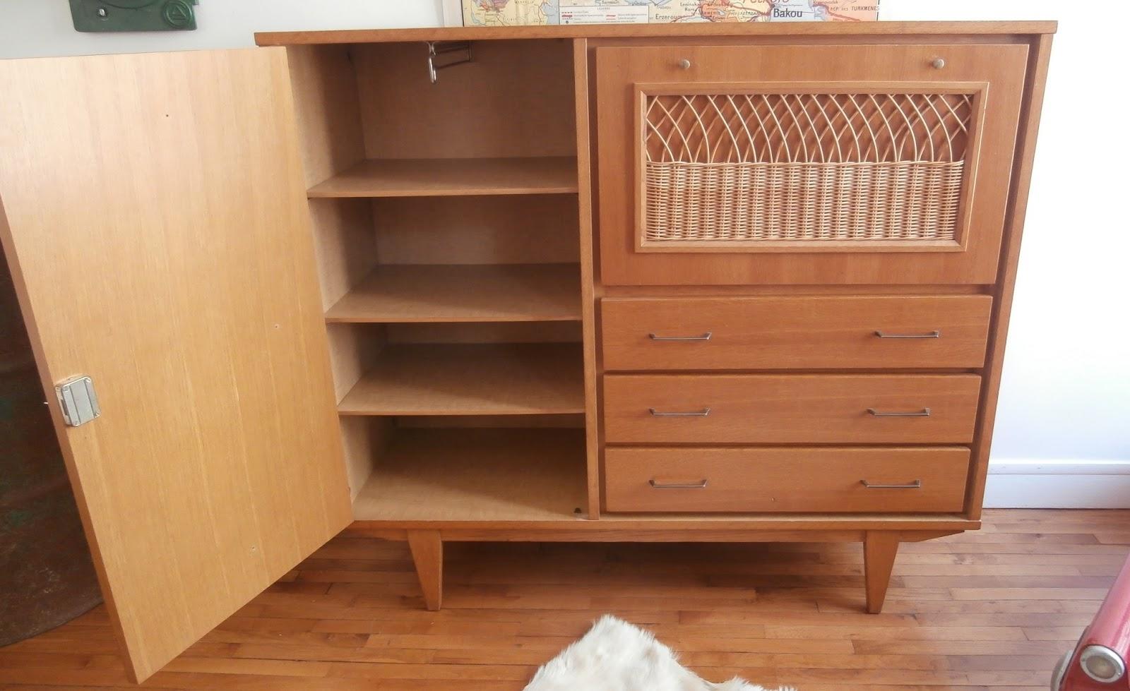 Dur e de vie ind termin e petit meuble secr taire bois et for Petit secretaire meuble