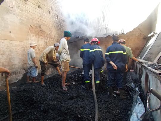 Gia Lai: Xưởng gỗ bị thiêu rụi trong đêm không rõ nguyên nhân