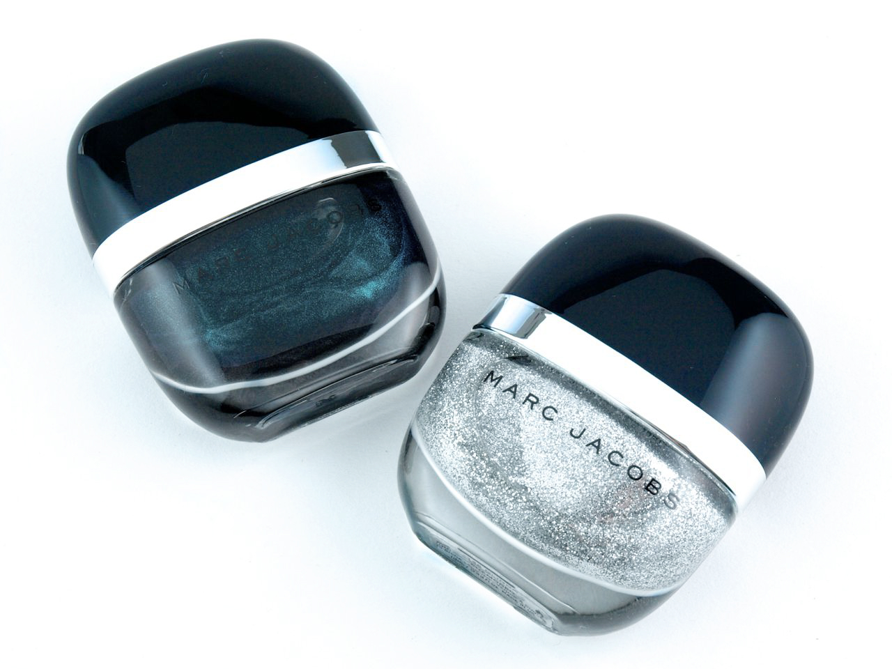 "Marc Jacobs Enamored Hi-Shine Nail Lacuer in ""Sally"" & ""Glinda"": Review and Swatches"