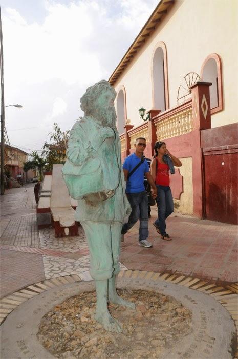 La estatua del Pelú de Baracoa, Guantánamo,  ahora trata de proteger a los pobladores de su propia maldición