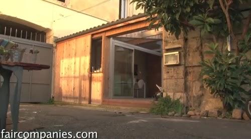 01-New-Front-Entrance-Photographer-Jérémie-Buchholtz-Bordeaux-Architect-Matthieu-de-Marien-Garage-Apartment-Mews-Street-www-designstack-co