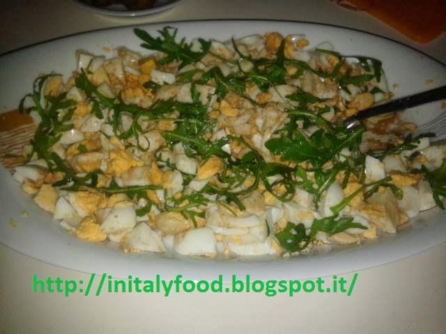 insalata ignorante di uova con aceto balsamico