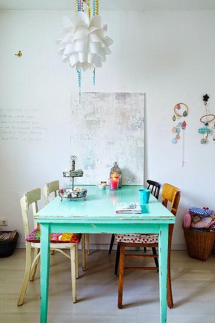 Comedor sillas colores decorar tu casa es for Sillas para living