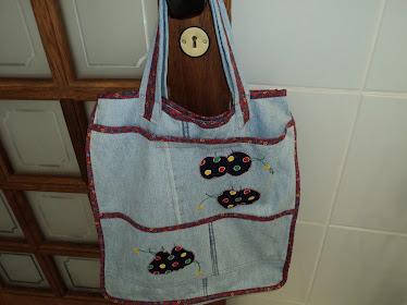 Sacola jeans para compras com apliques