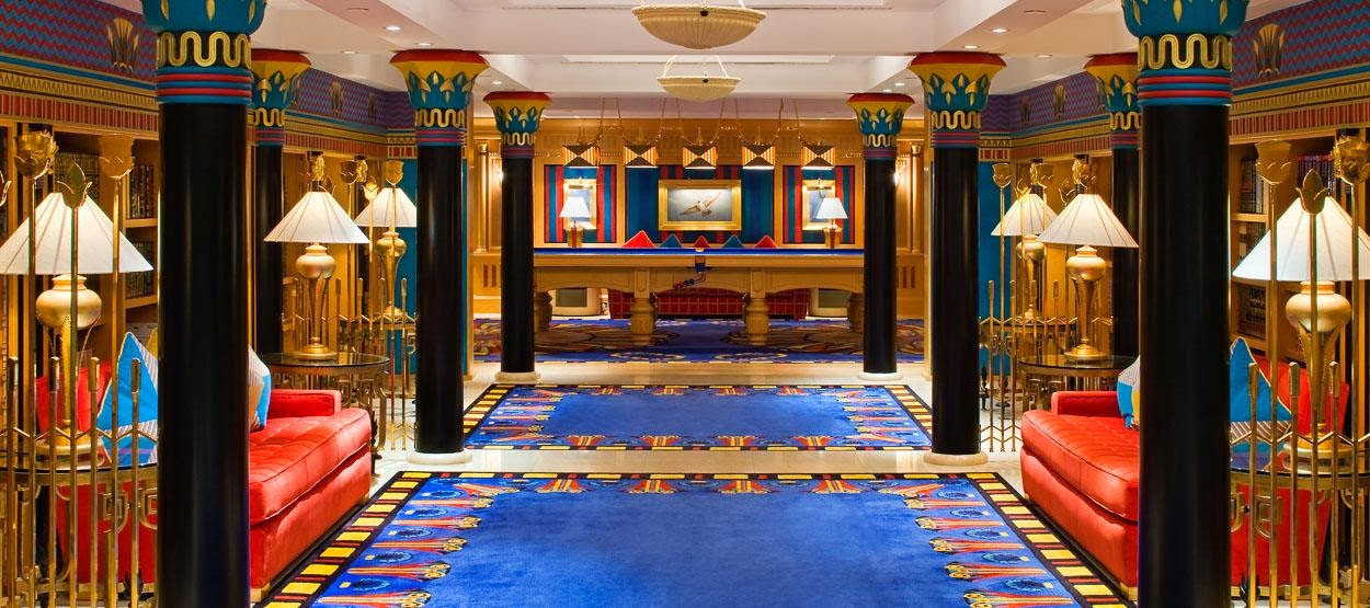World visits burj al arab inside ocean for Burj al arab interior