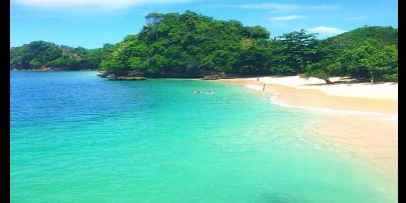 Wow! Merah Putih Berkibar di Dasar Laut Pantai Tiga Warna