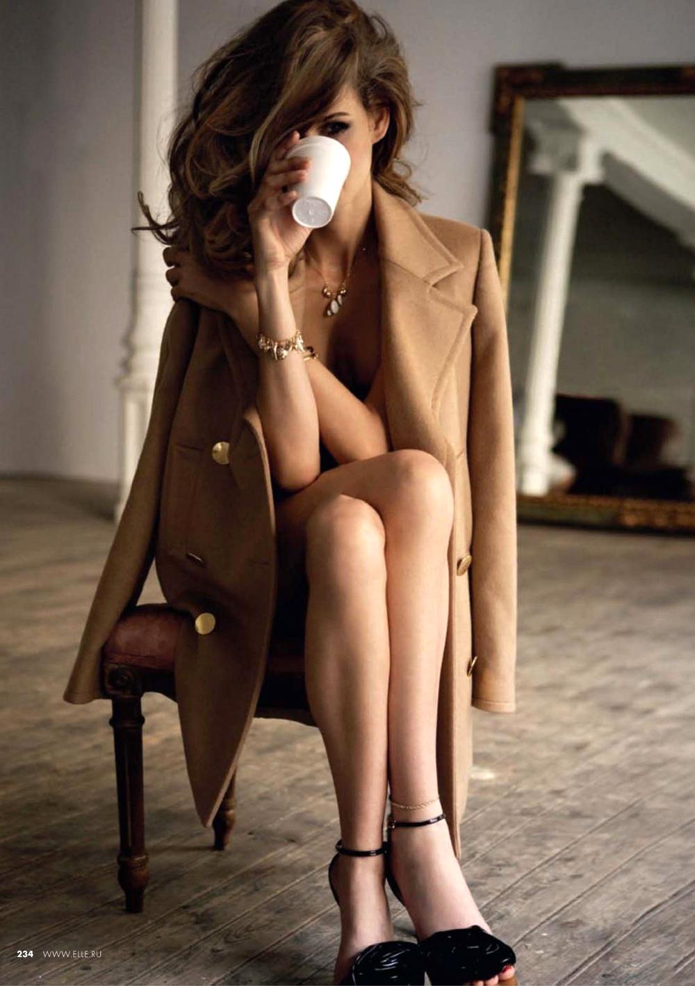 Belle de Jour / Elle Russia November 2009 (photography: Mario Sierra, styling: Immaculada Jimenez, model: Flavia de Oliveira)