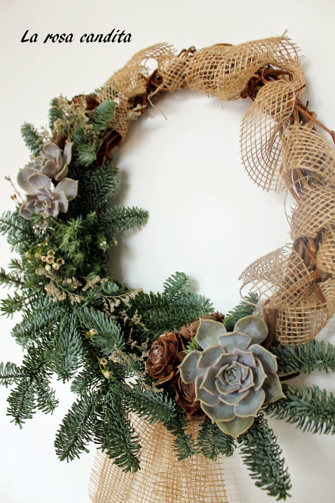 La rosa candita ghirlande e decorazioni natalizie - Corone natalizie da appendere alla porta ...