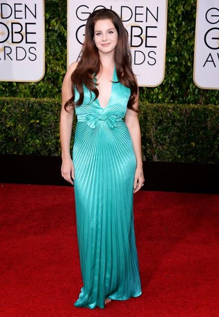 Лана Дел Рей в тюркоазена рокля Prada на наградите Златен глобус 2015