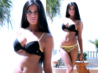 Hot pics of poonam pandey with heavy boobs and chuchi is very big and tight download pics free