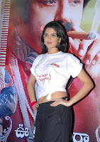 Deeksha, seth, navel, show, in, airtel, ad