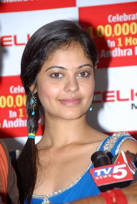 Bindhu Madhavi latest Stills from Celkon Mobiles 1Lakh Sales Celebrations