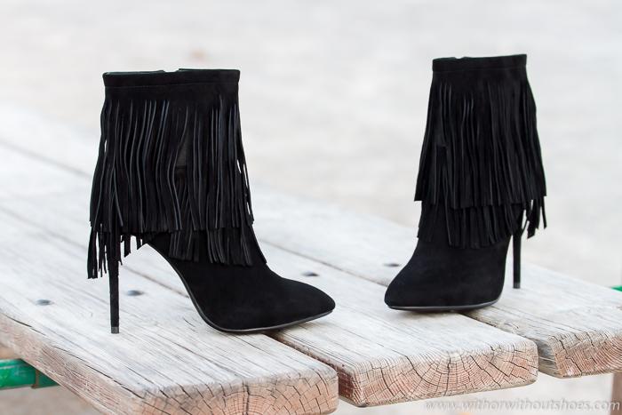 Nuevos zapatos: botines de ante negro con flecos y tacón stiletto de DANIEL Footwear
